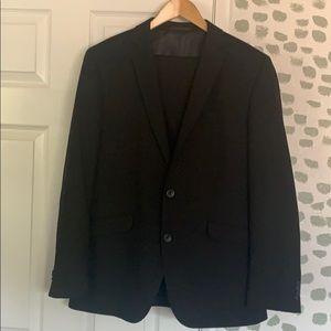Kenneth Cole Reaction Men's Black Suit 40R 33W